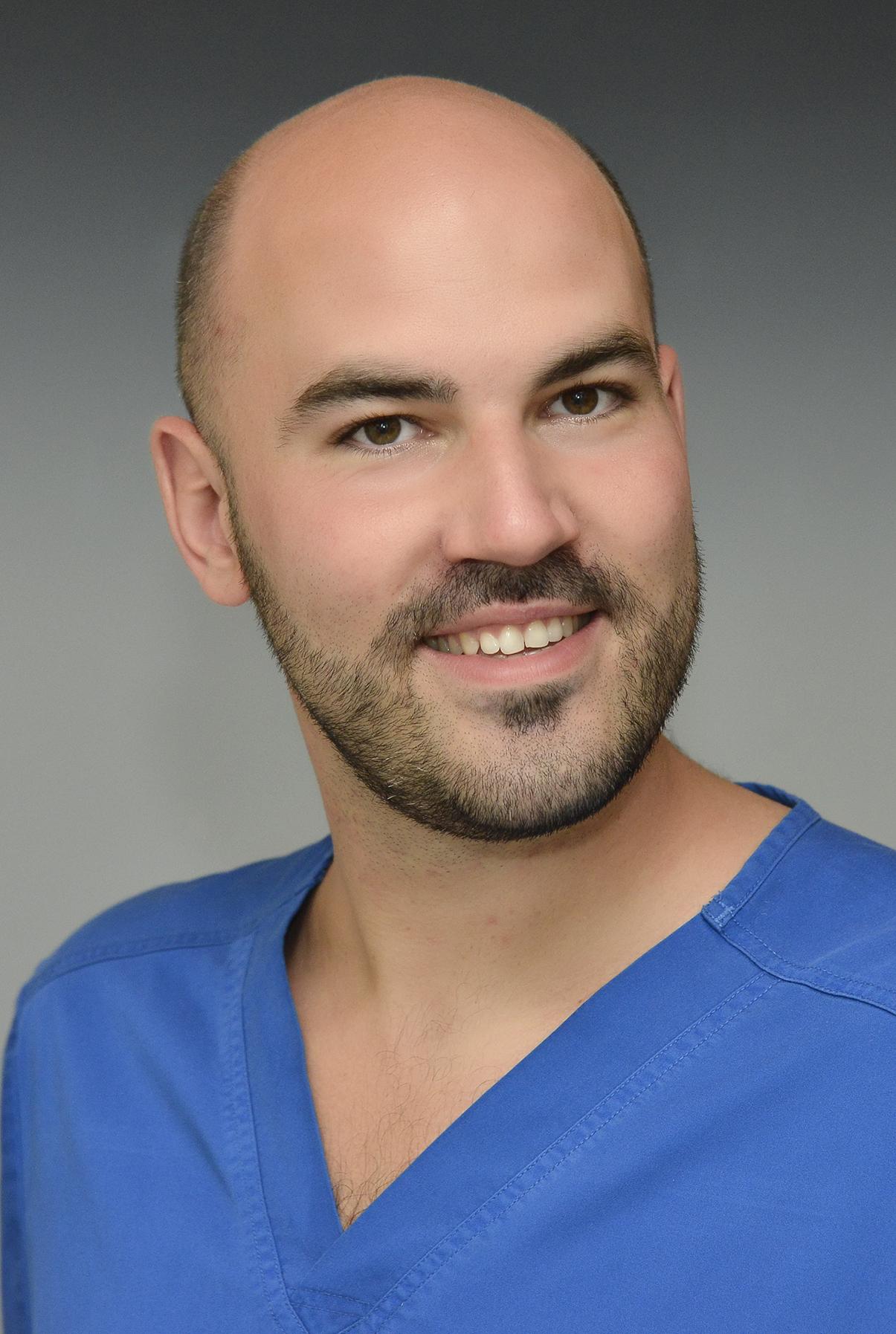 Dr. Szendi Róbert